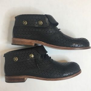 Patricia Nash Sabrina Ankle Bootie Perforated 6.5